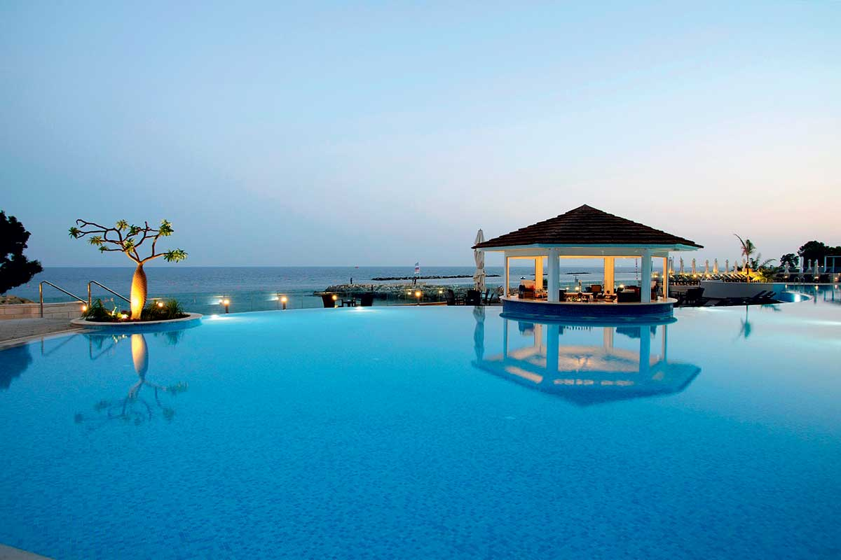 The Royal Apollonia 5 *