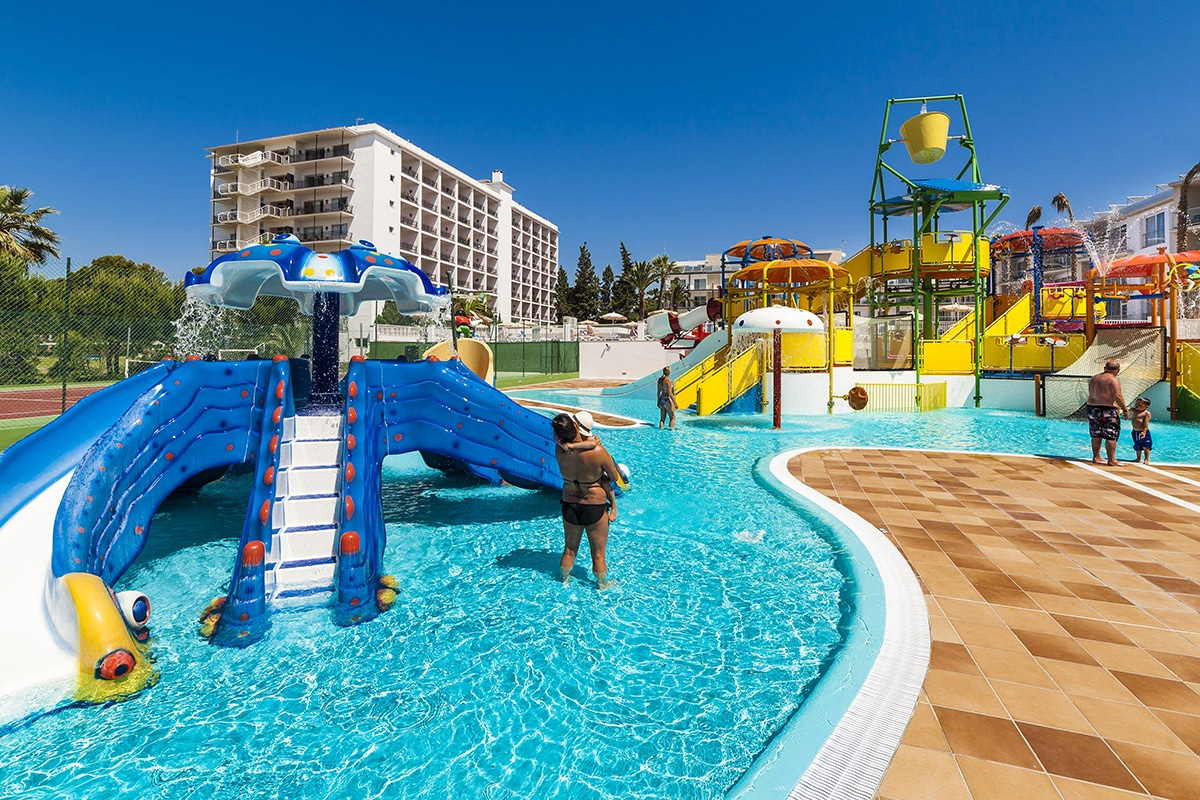 Hotel splashworld playa estepona 4 estepona andalousie for Hotel avec piscine marseille