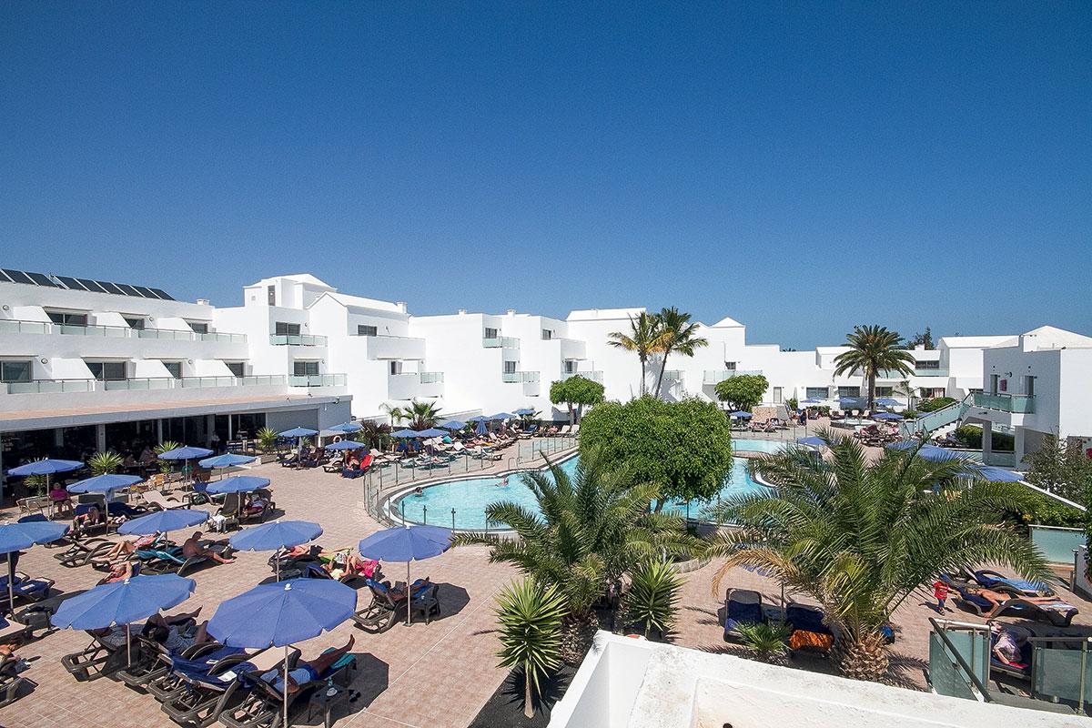 ESPLVIL batiment piscine sejours lanzarote village canaries tui