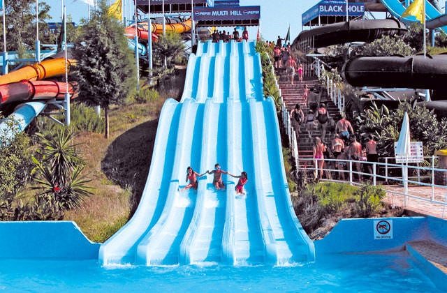 Splashworld aqualand resort 4 tui for Piscine avec toboggan paris