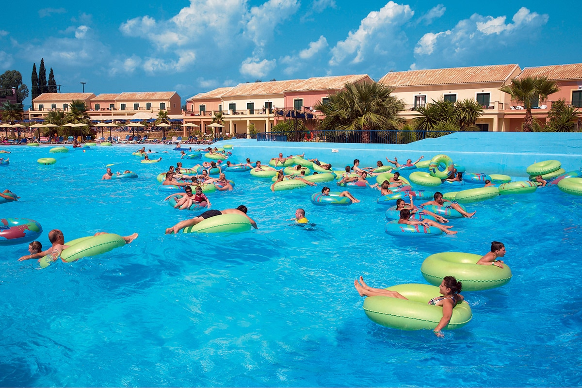 GREFAQU8 splashworld aqualand resort piscine a vagues sejour corfou grece tui