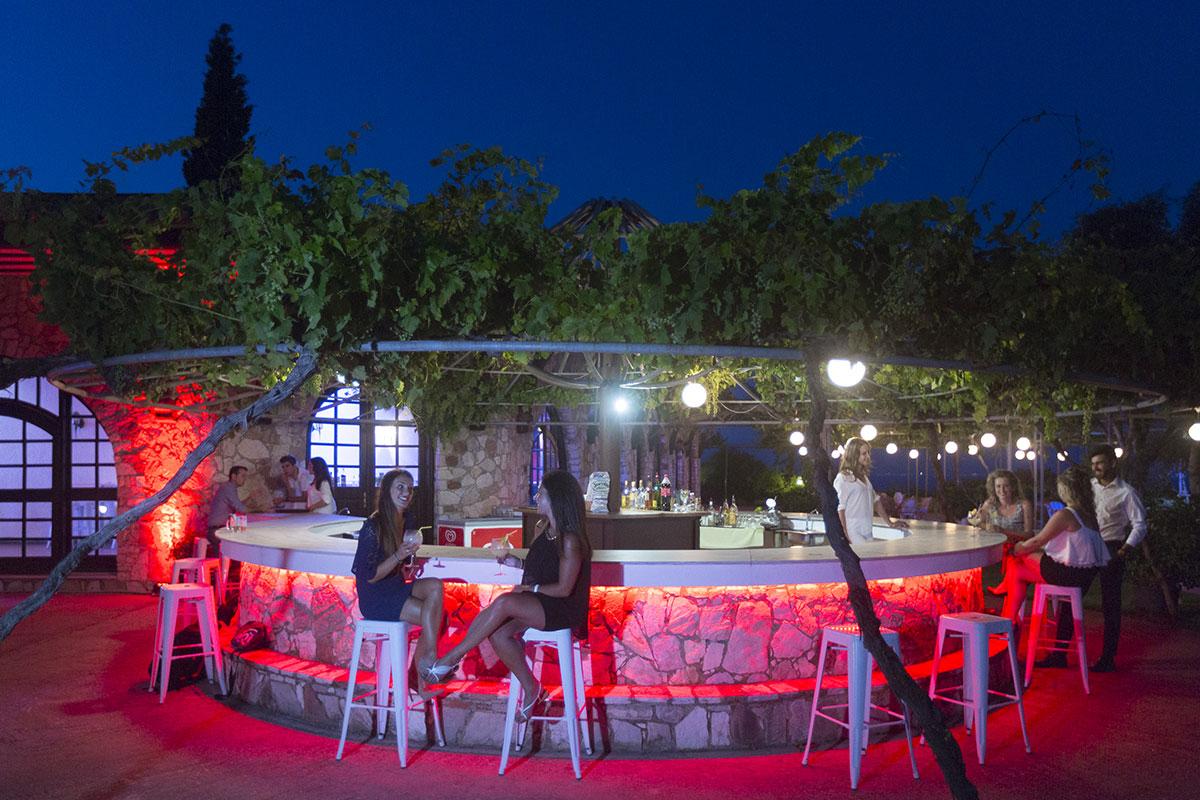 GRETKAL bar club marmara kalamata sejour grece tui