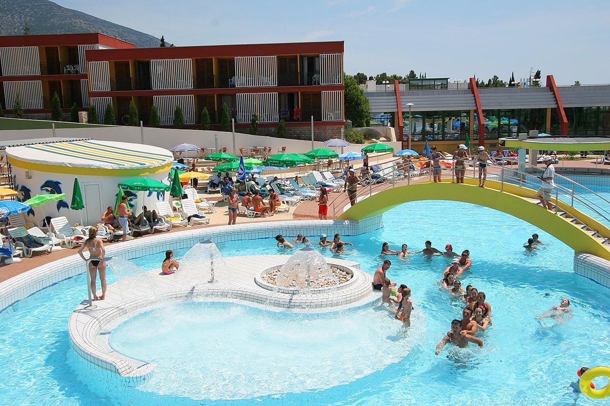 Club marmara bonaca 3 ile de brac croatie avec voyages for Club piscine soleil chicoutimi