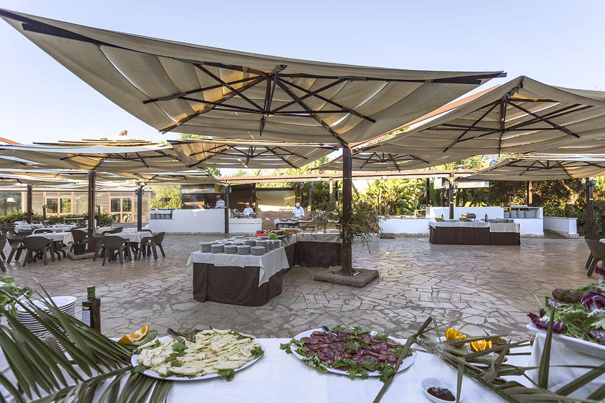 ITACARE terrasse restaurant sejour VOI arenella resort sejour sicile tui