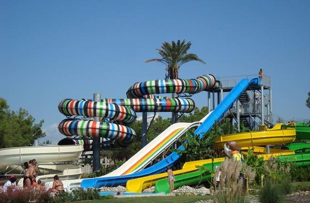 Parc aquatique - Toboggans de l'hôtel Amadil Beach