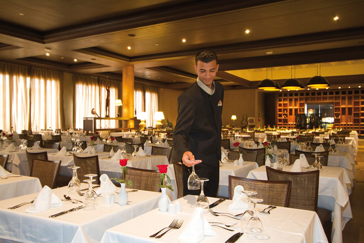 MARATPA8-restaurant-principal-riu-palace-tikida-agadir-sejour-agadir-maroc-tui