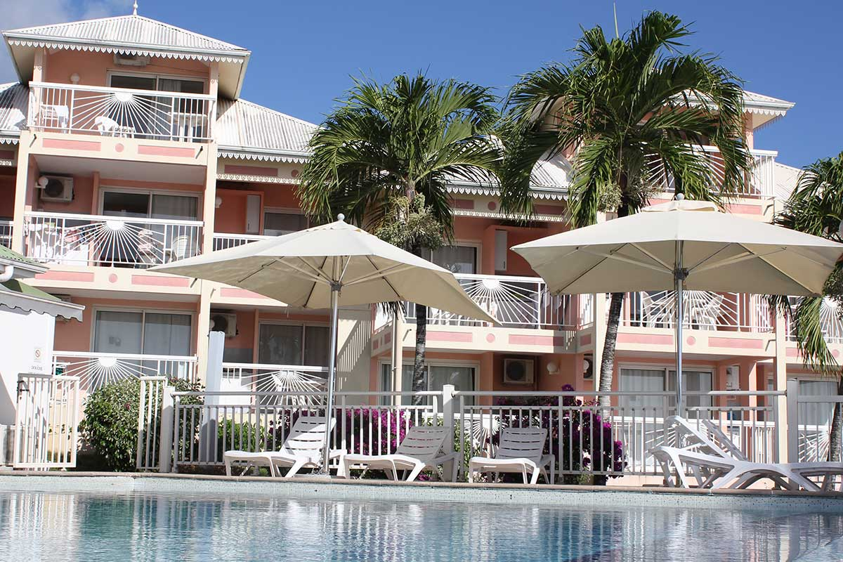 Residence hoteliere diamant beach sejour martinique avec for Residence hoteliere